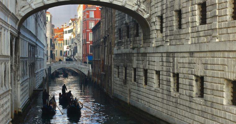 Veneția, destinația de care nu te plictisești niciodată! Ghid de călătorie!