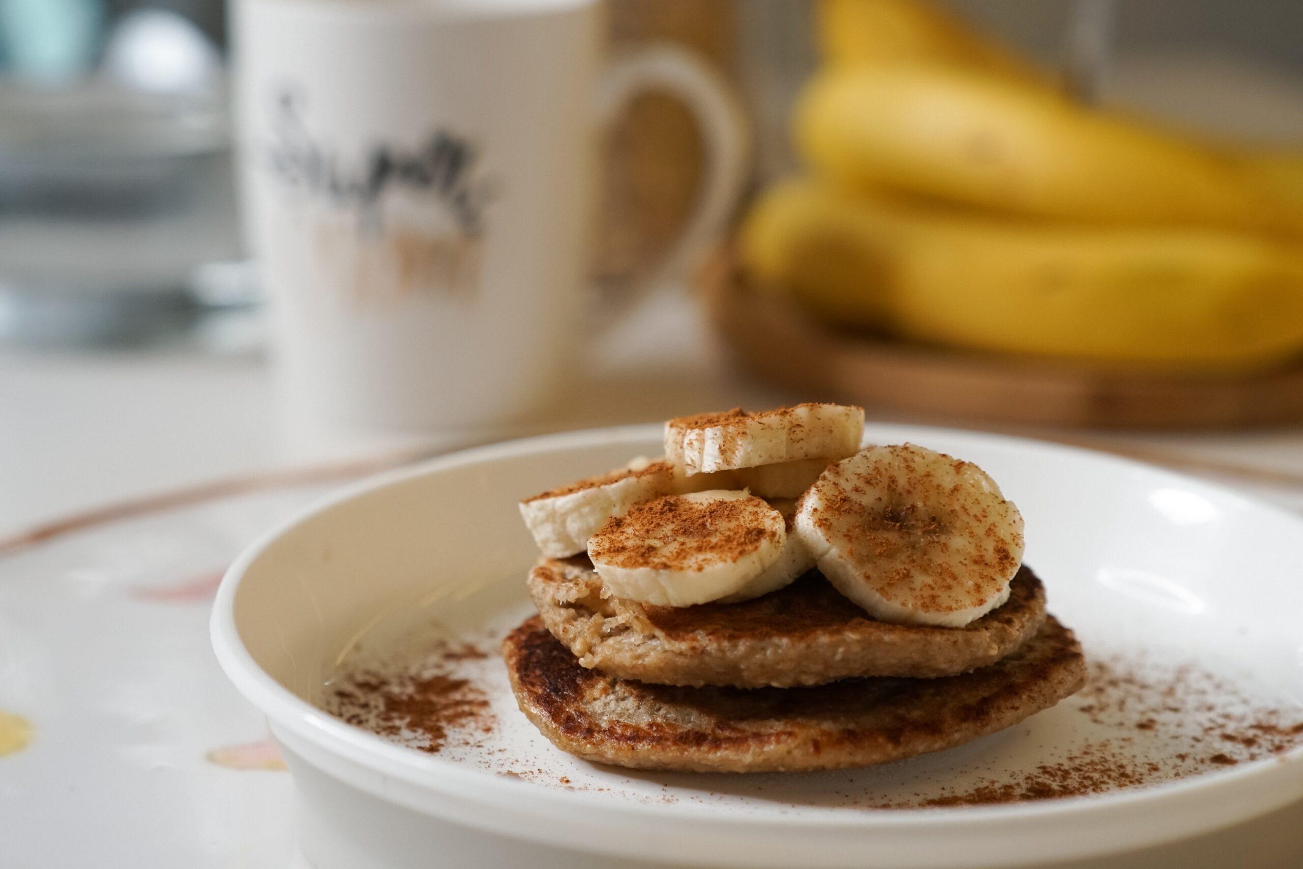 Bebe Cuisine – Pancakes cu banane și scorțișoară
